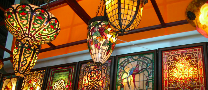 7 great tiffany lighting ideas the lighting expert inspiration for home interiors - Amazing stained glass fireplace screen designs with intriguing patterns ...